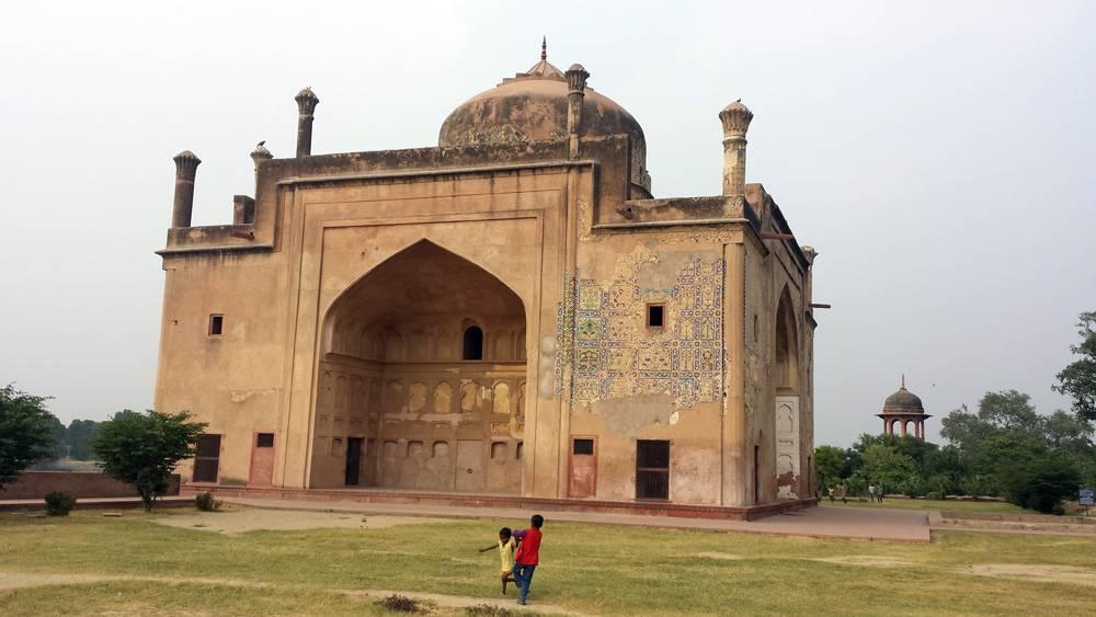 Chini Ka Rauza Agra