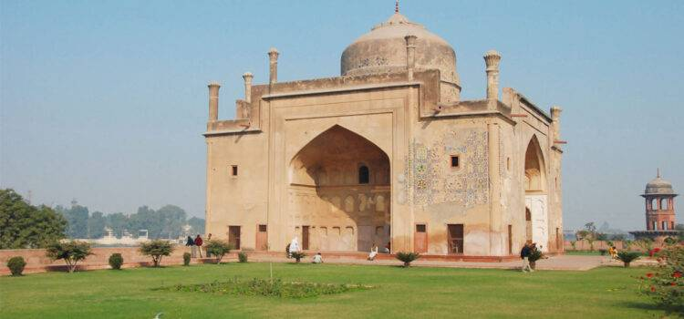 Chini Ka Rauza Agra Timings, Entry Fee and History Info