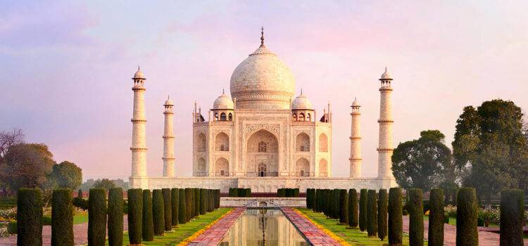 Sunrise Taj Mahal Tour with City Walk in Agra's Heart
