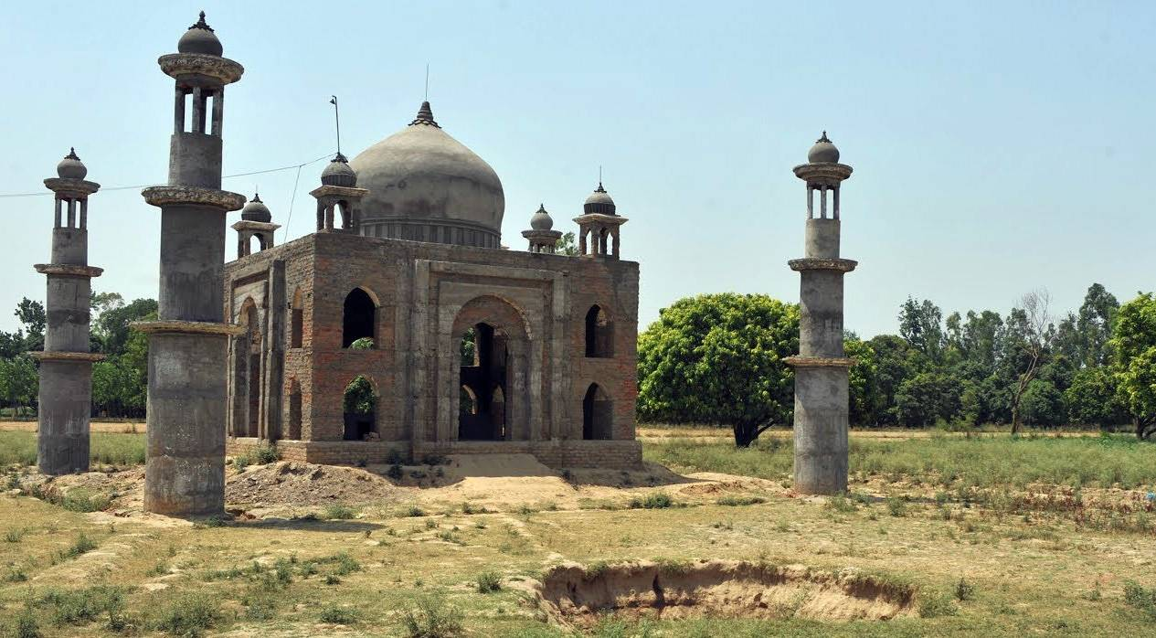 Mini Taj Mahal Built by Post Master
