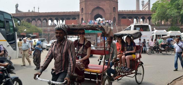 Old Delhi Rickshaw Tour With Taj Mahal