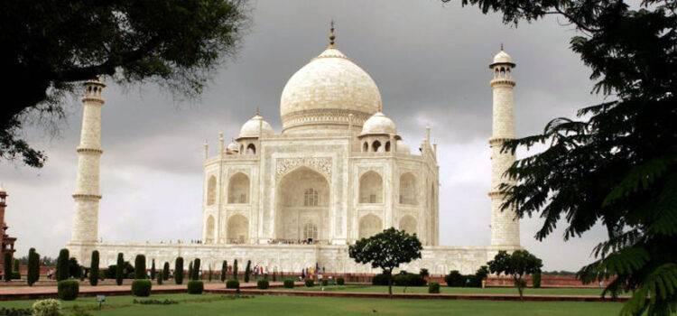 Taj Mahal in Lockdown